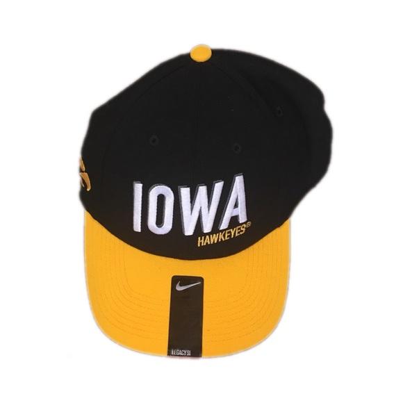 new concept 11140 2824e Iowa Hawkeyes Nike Men s Flex Fit Hat Cap. NWT